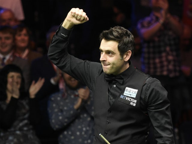 Ronnie O'Sullivan wears pink nail varnish for breast cancer awareness