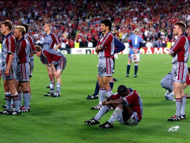 BayernMunich players in despair after losing the 1999 Champions League final