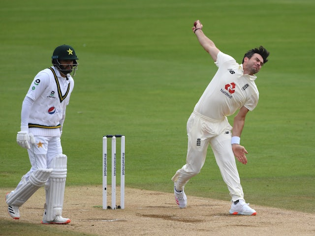 James Anderson stars before rain stops England's charge against Pakistan