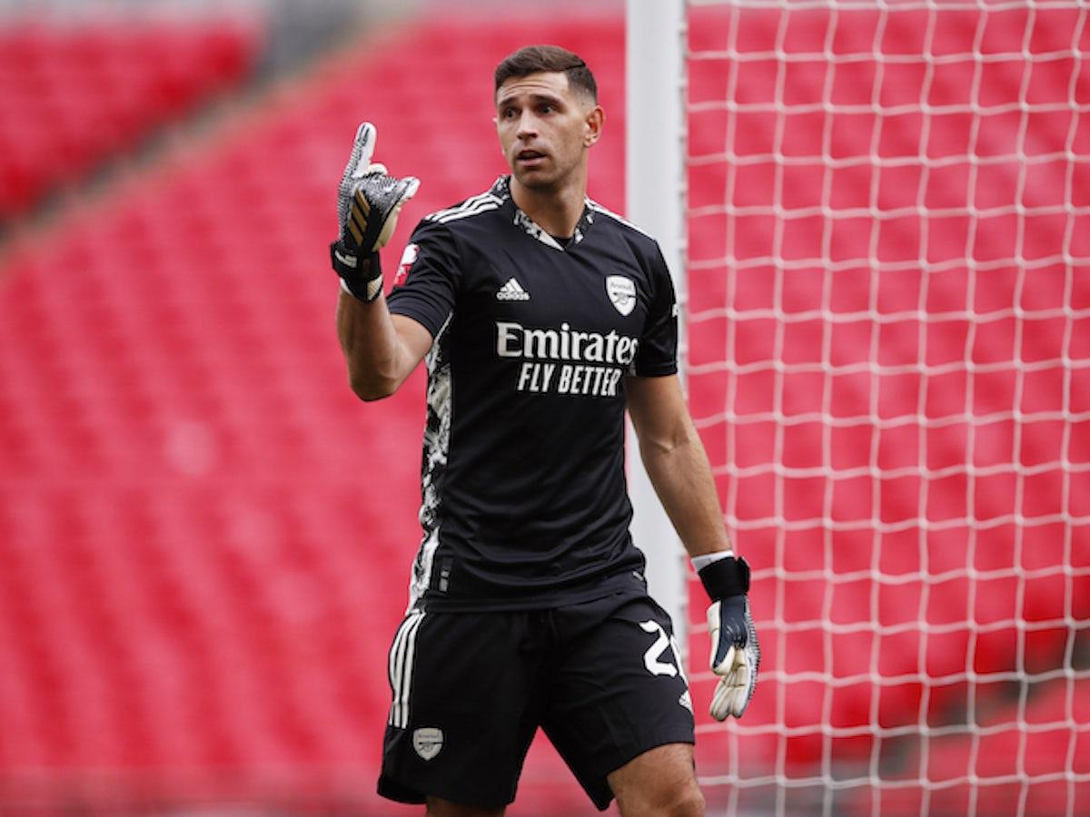 Arsenal goalkeeper Emiliano Martinez 'agrees terms with Aston