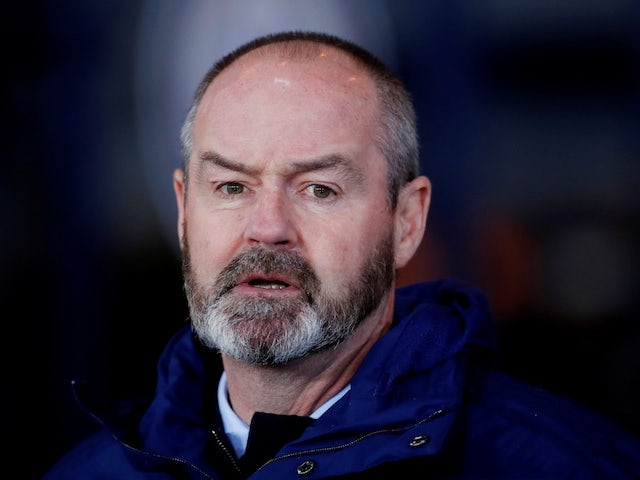 Steve Clarke: 'Lyndon Dykes must battle to secure Scotland spot'