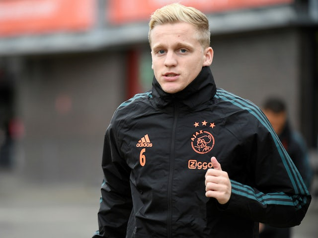A closer look at new Manchester United midfielder Donny van de Beek