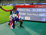 Sir Mo Farah celebrates breaking the one-hour world record on September 4, 2020