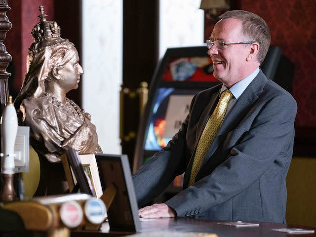 Ian admires the bust on EastEnders on September 7, 2020