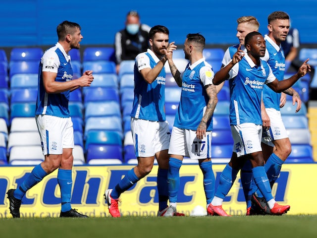 Birmingham City players celebrate Jeremie Bela's goal against Brentford on September 12, 2020