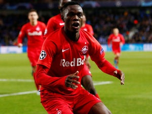 Leicester 'to battle Liverpool, Chelsea for Daka'