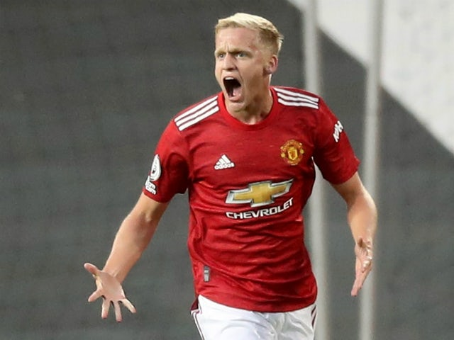 Donny van de Beek celebrates scoring for Manchester United against Crystal Palace on September 19, 2020