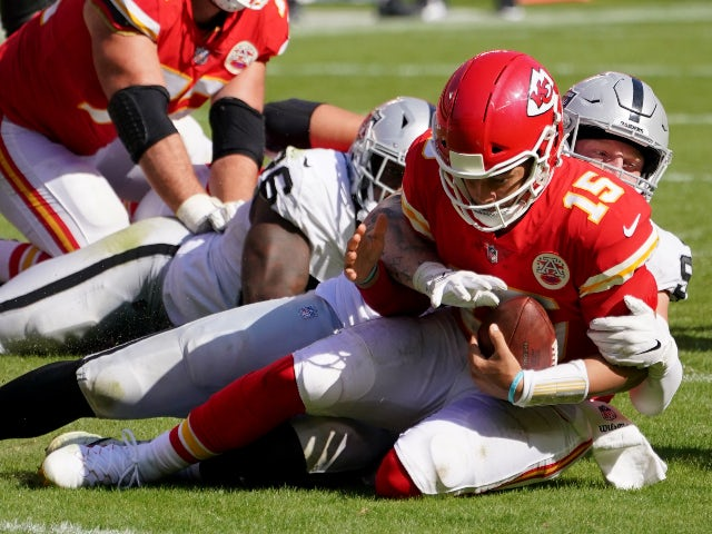 NFL roundup: Kansas City Chiefs suffer first loss while Steelers march on
