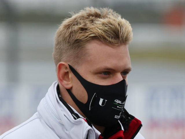 'Fingers crossed' for Schumacher's debut - Brawn