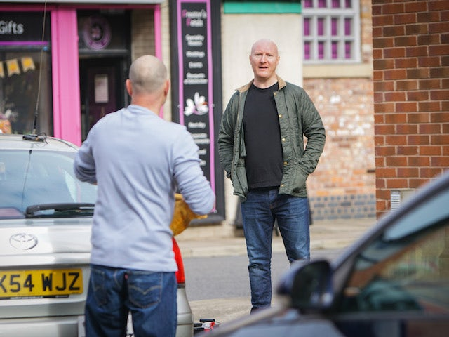 An angry man on the first episode of Coronation Street on October 19, 2020