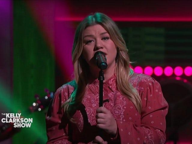 Watch: Kelly Clarkson covers Harry Styles's Watermelon Sugar