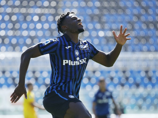 Duvan Zapata in action for Atalanta on October 4, 2020