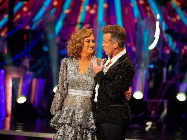 First celebrity eliminated from Strictly Come Dancing