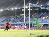 Bruno Fernandes scores for Manchester United against Everton in the Premier League on November 7, 2020