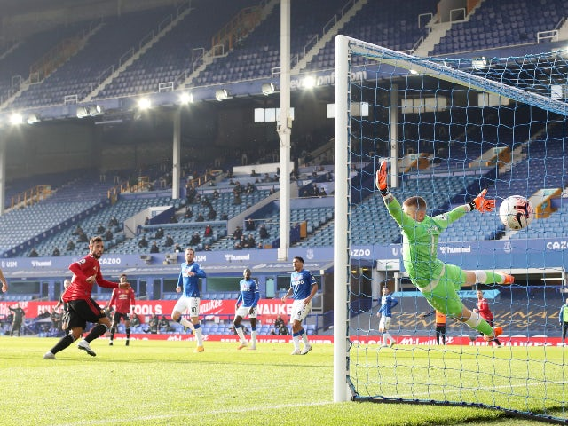 Result: Bruno Fernandes double propels Man United to vital win at Everton