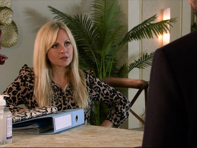 Sarah on the first episode of Coronation Street on November 18, 2020