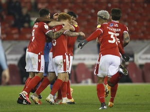 Lyle Taylor nets late penalty as Nottingham Forest beat Coventry City