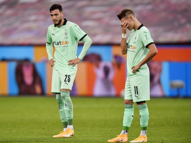 Borussia Monchengladbach players Ramy Bensebaini and Hannes Wolf pictured after losing to Bayer Leverkusen on November 8, 2020