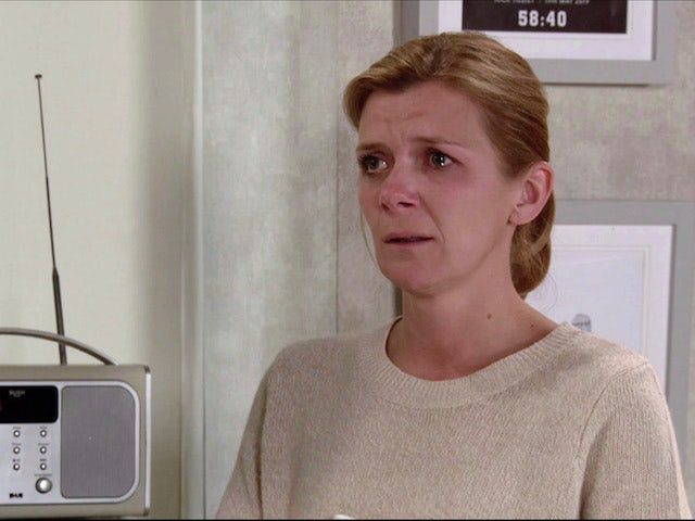 Leanne on the first episode of Coronation Street on November 27, 2020