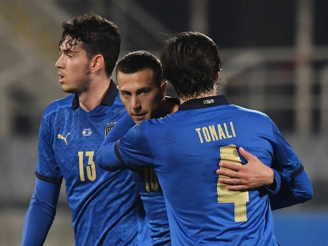 Italy players celebrate Federico Bernardeschi's goal against Estonia on November 11, 2020