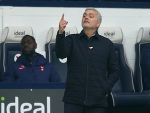 "Jose Mourinho ""super happy"" as Spurs overcome Man City to go top"