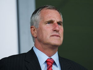 """Peter Shilton pays tribute to """"great all-round guy"""" Ray Clemence"""