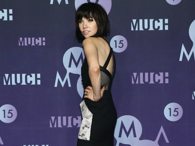 Carly Rae Jepsen serving over-the-shoulder sass in June 2015