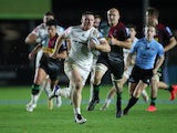 Sam Simmonds runs through to score a try for Exeter against Harlequins on November 20, 2020