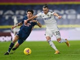 Arsenal's Hector Bellerin in action with Leeds United's Jack Harrison in the Premier League on November 22, 2020