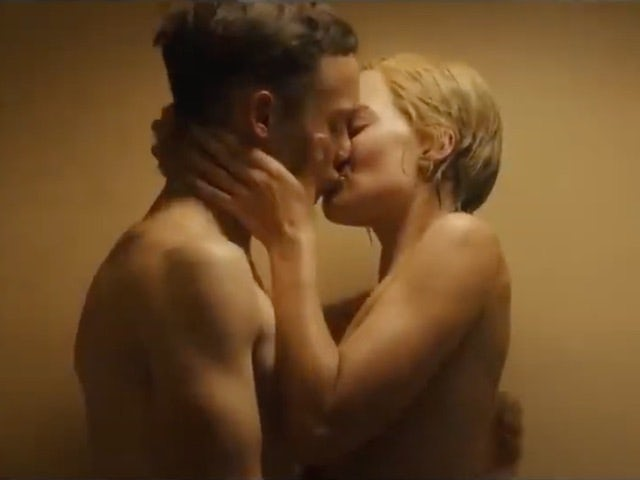 Margot Robbie in topless clinch in new movie Dreamland