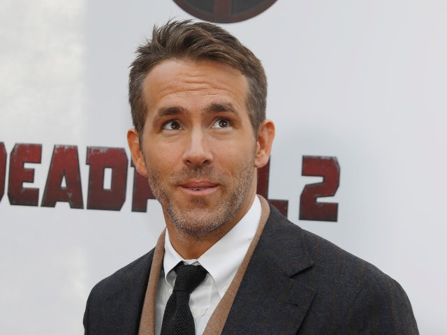 Wrexham owners Ryan Reynolds and Rob McElhenney to feature in club documentary