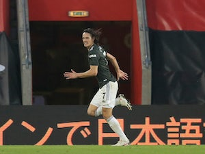 "Solskjaer lavishes praise on ""incredible"" Cavani"