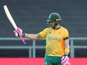 Faf du Plessis hits half century as South Africa set England 180 target