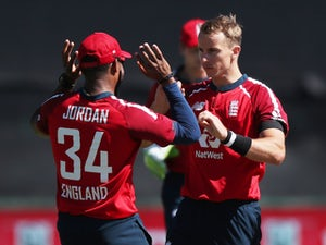Adil Rashid stars as England limit South Africa in Paarl