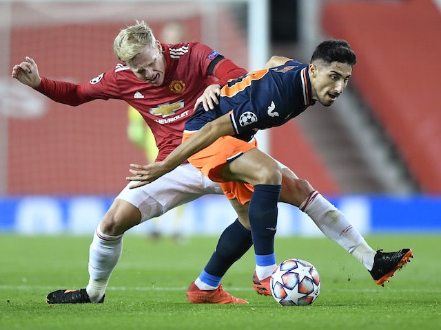 Arsenal 'interested in Basaksehir midfielder Ozcan'