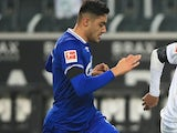 Ozan Kabak in action for Schalke on November 28, 2020
