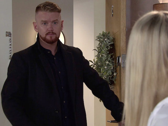 Gary on Coronation Street on Christmas Eve, 2020