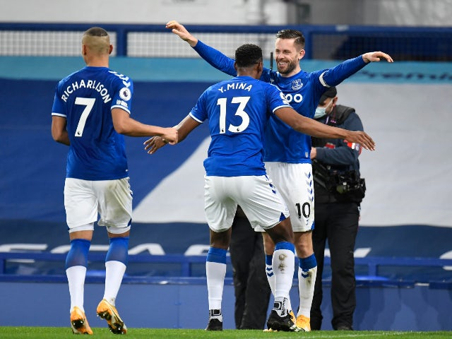 Yerry Mina celebrates scoring for Everton against Arsenal in the Premier League on December 19, 2020