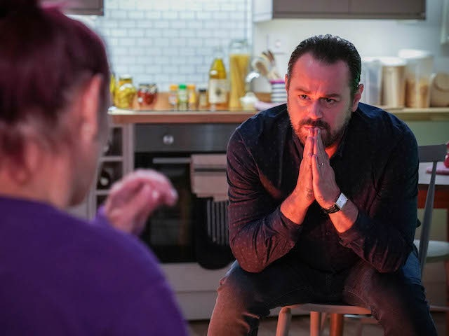 Danny Dyer discusses forming close contact cohort on EastEnders