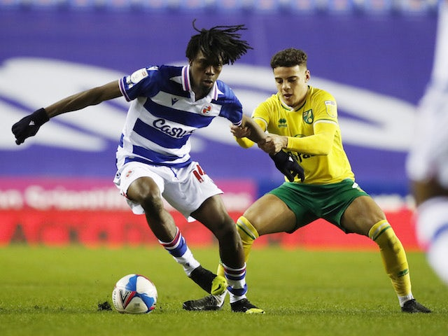 Reading's Ovie Ejaria in action with Norwich City's Max Aarons in the Championship on December 16, 2020