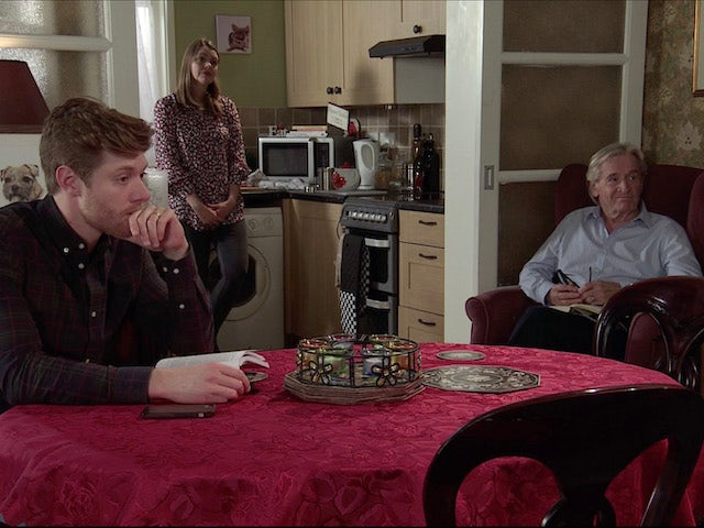 Daniel, Tracey and Ken on the first episode of Coronation Street on January 11, 2021