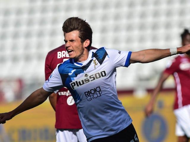 Atalanta BC's Marten de Roon celebrates scoring against Torino in Serie A on September 26, 2020