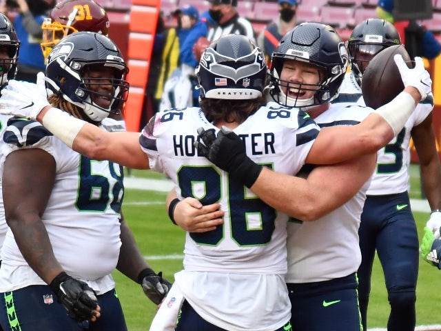 NFL roundup: Seahawks clinch playoff place with Washington victory