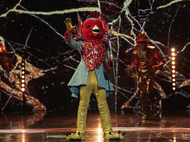 Robin on The Masked Singer S02E01
