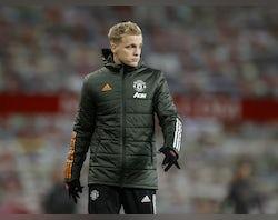 Mourinho 'wants Van de Beek to follow him to Roma'