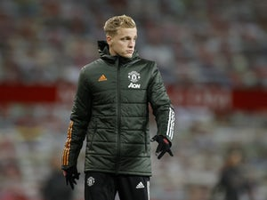 Solskjaer 'promises Van de Beek more game time'