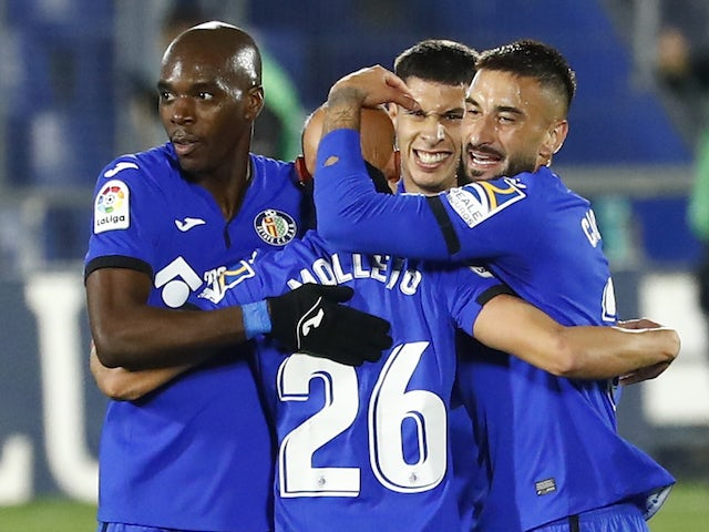 Getafe players celebrate in October 2020