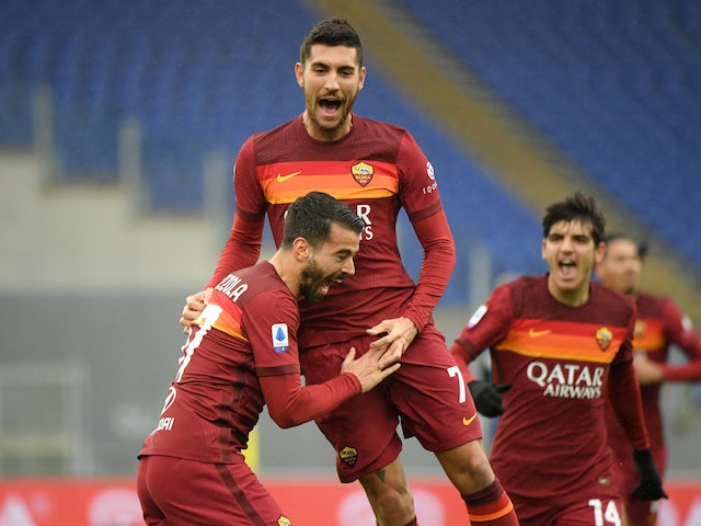 Roma's Lorenzo Pellegrini celebrates scoring their first goal with teammates against Inter Milan on January 10, 2021
