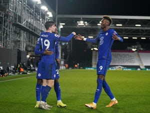Mason Mount scores winner as Chelsea scrape past 10-man Fulham