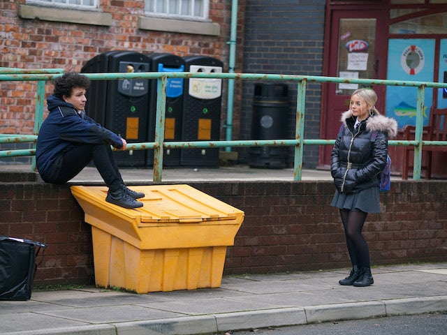 Simon and Kelly on the second episode of Coronation Street on February 1, 2021